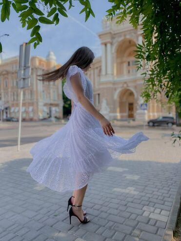 Нежное платье, натуральный перфорированный шифон — фотография 1