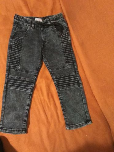 Детские джинсы — фотография 1