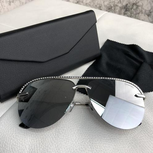 Chanel Sunglasses Pilot Diamonds Silver/Gray — фотография 1