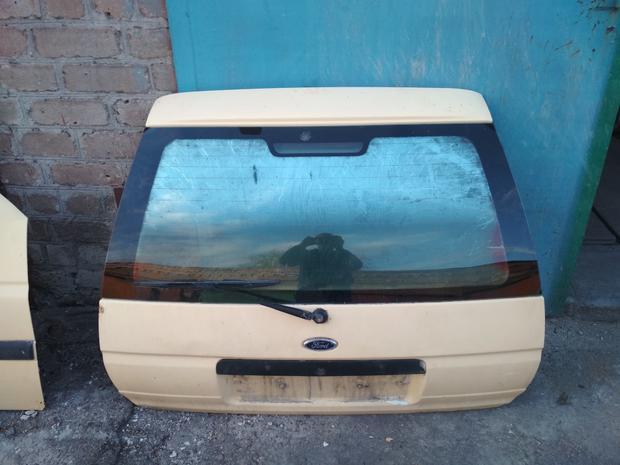 Двери Форд Эскорт 1996г.в. — фотография 1